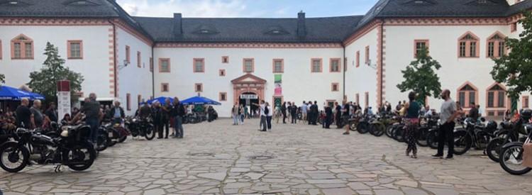 Benzingeflüster auf Schloss Augustusburg